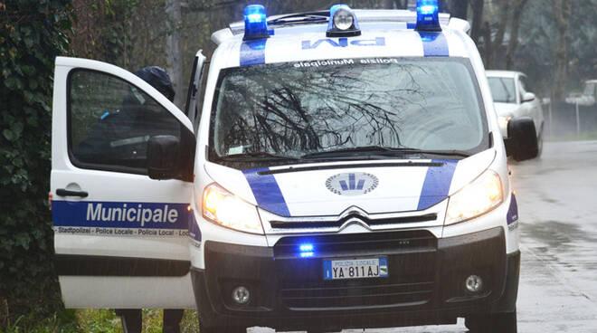 Proseguono i controlli della Polizia Municipale e funzionari dell'Ispettorato del lavoro su autoarticolati e bus