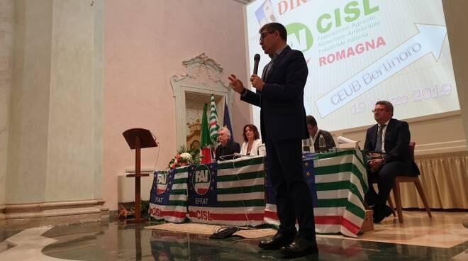 Roberto Cangini durante il suo intervento (foto Cisl Romagna)
