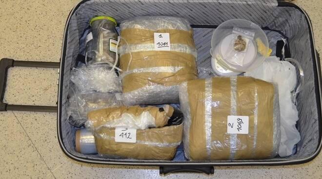 Una foto della droga sequestrata