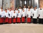 """Il coro """"Domsingknaben"""" all'interno del Duomo di Speyer"""