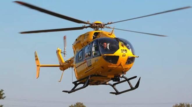 L'elicottero di Romagna Soccorso (foto d'archivio)