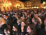 Pubblico in piazza del Popolo per il concerto di Pierdavide Carone e Dear Jack