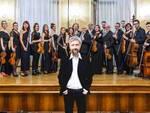 Ascanio Celestini e i musicisti dell'Orchestra Maderna di Forlì
