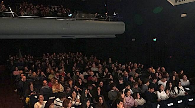Il pubblico del teatro Rasi di Ravenna