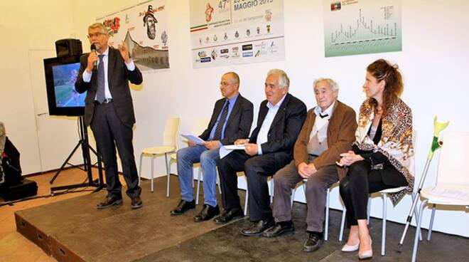 Il sindaco di Faenza, Giovanni Malpezzi, durante il suo intervento.