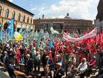 La manifestazione sindacale del Primo Maggio a Bologna (fonte Il Sole 24 Ore)
