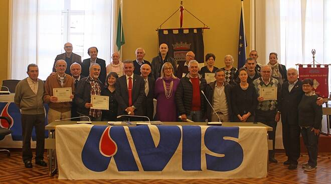 Una cerimonia di consegna degli attestati Avis in Comune a Cesena (foto d'archivio)