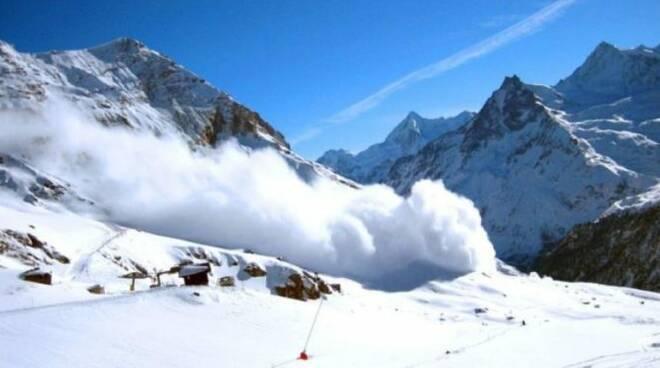 La valanga il 7 aprile 2018, sul Colle di Chamolé, vicino a Pila, uccise due scialpinisti romagnoli ferendone altri due