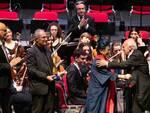 Pollini, sul palco con Cristina Muti Mazzavillani, è stato insignito del Premio del Ravenna Festival 2019