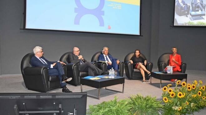 assemblea 70 anni confcooperative forlì cesena