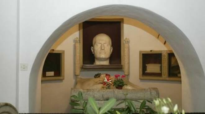 Busto Duce