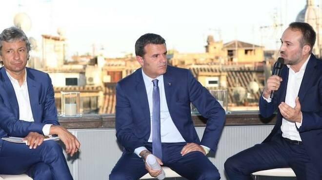 Il sindaco Gnassi con il Ministro Gian marco Centinaio e Andrea Incondi