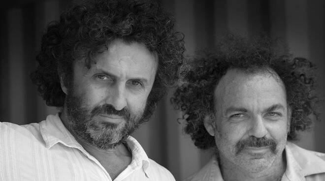Jim White e George Xylouris