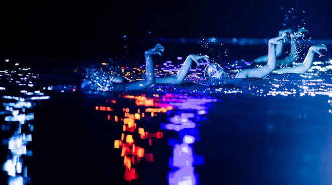 Lo spettacolo Dragon di apertura del festival. Foto Enrique Escorza