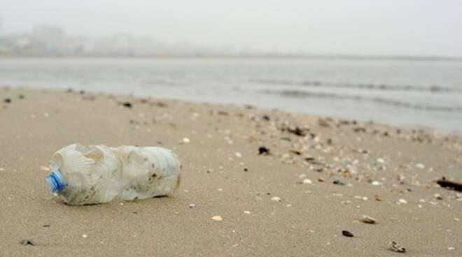 pulire spiaggia