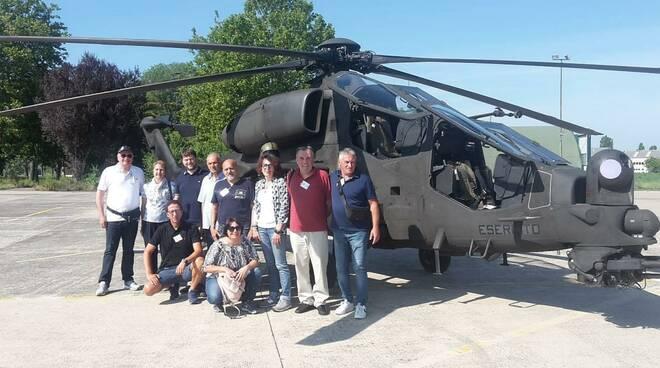 """Visita del gruppo comunale di Protezione Civile al 7° Reggimento Aves """"Vega"""" di Rimini"""