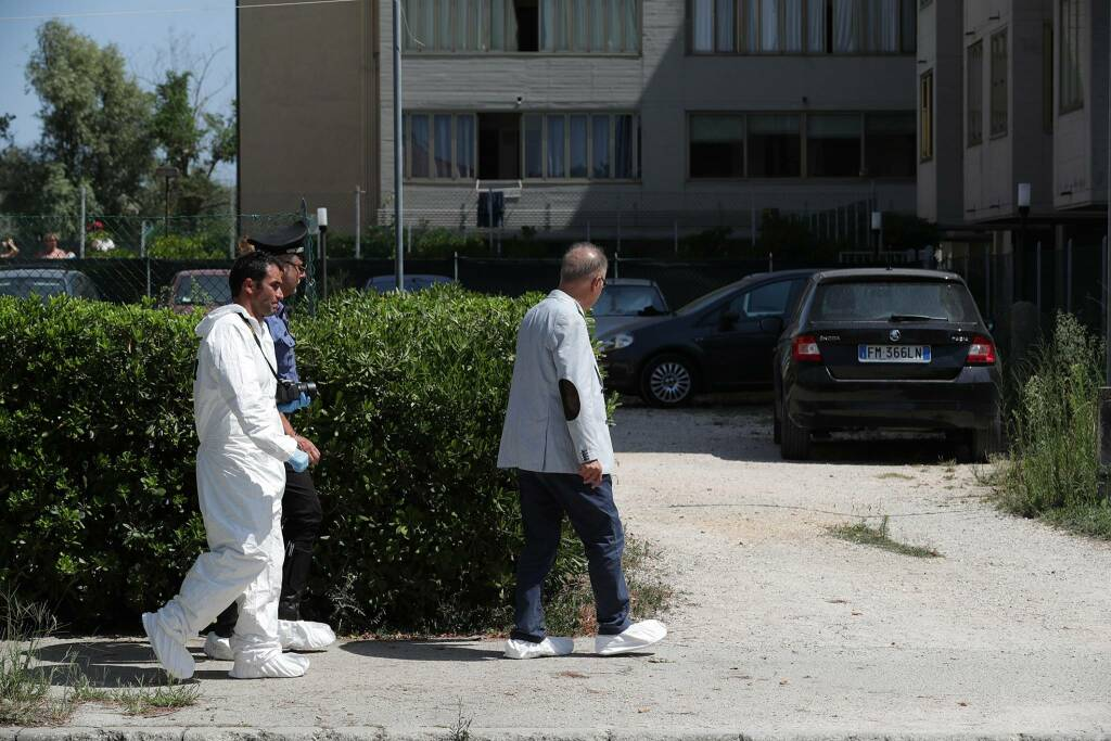 Accoltellamento a Lido Adriano: una donna uccide il suo compagno