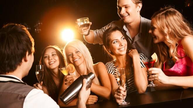 alcol giovani minori festa