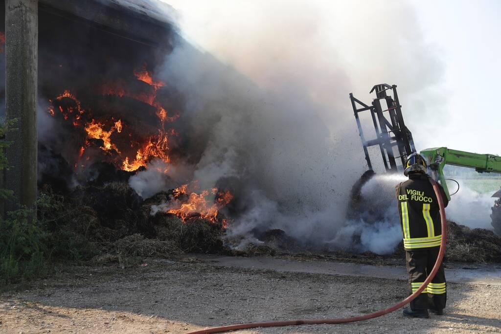 Incendio fienile via Manzoni