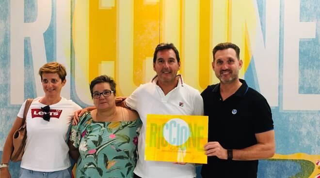 La premiazione dei tre turisti a Riccione