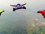 paracadutismo con tuta alare