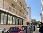 Cervia - hotel precipita dal balcone