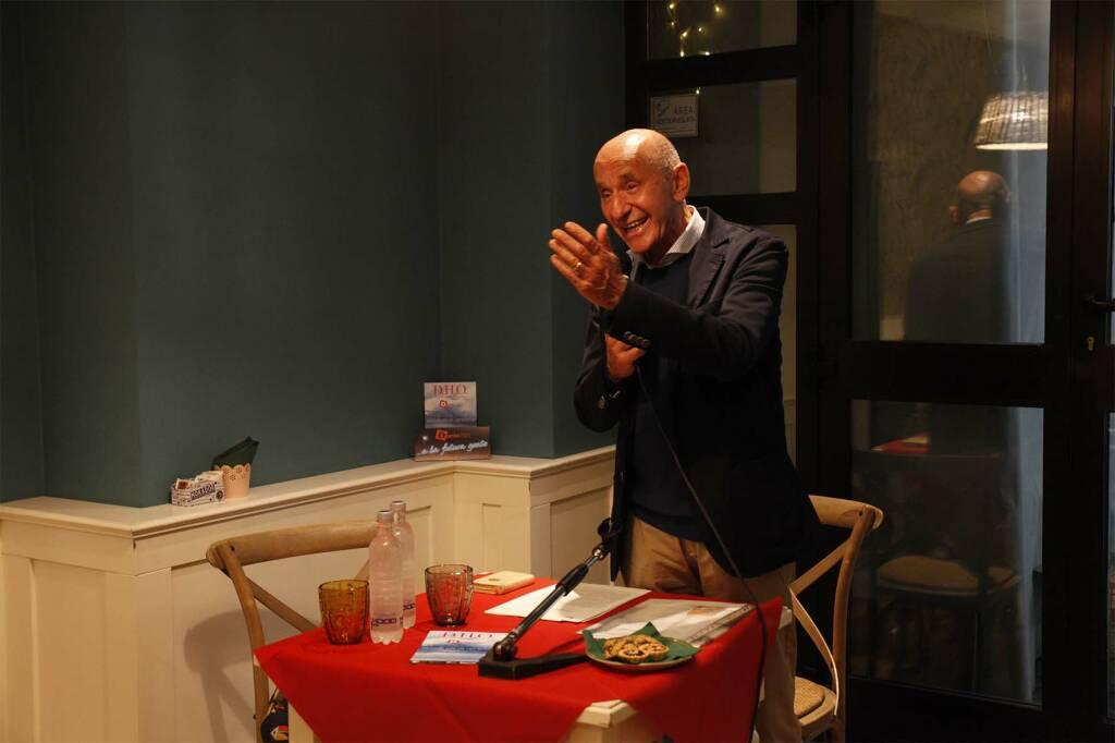 Dante Hors d'Oeuvre: il 6 settembre al Caffè Letterario, l'incontro con il glottologo Emanuele Banfi