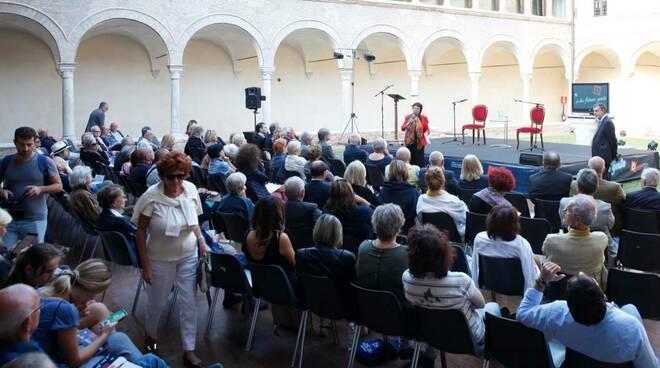 Dante2021. Inaugurata la 9^ edizione agli Antichi Chiostri Francescani di Ravenna