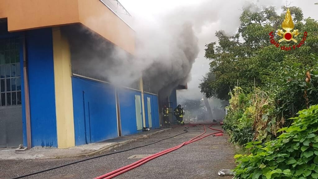incendio capannone Rimini