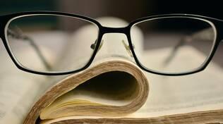 libri occhiali università per gli adulti