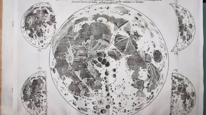 sogliando la luna
