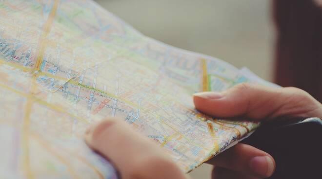 cartina mappa mani turismo viaggio turista