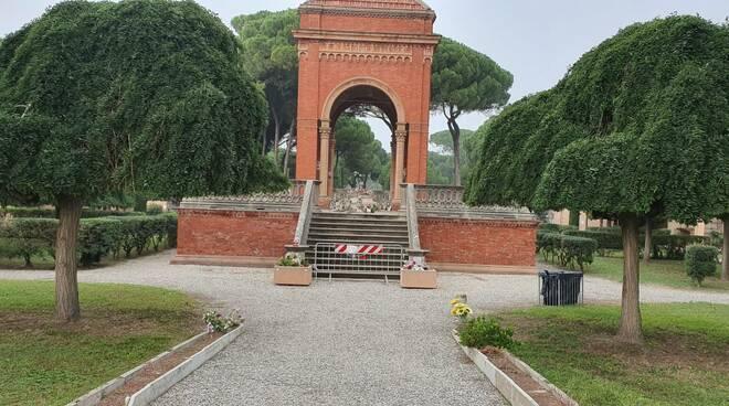 Cimitero di Ravenna Ossario a pericolo di crollo