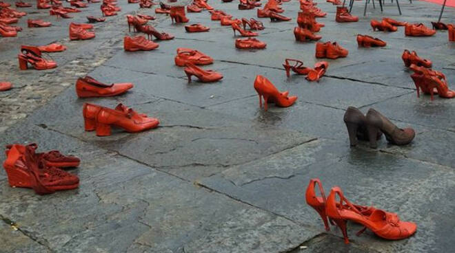 scarpe rosse violenza sulle donne