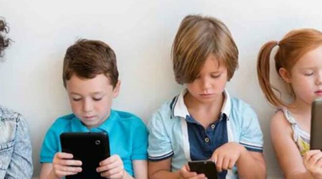 bimbi e tecnologia