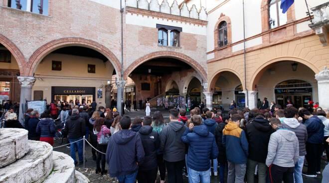 Giornata contro la violenza sulle donne 2019 - Ravenna Linea Rosa