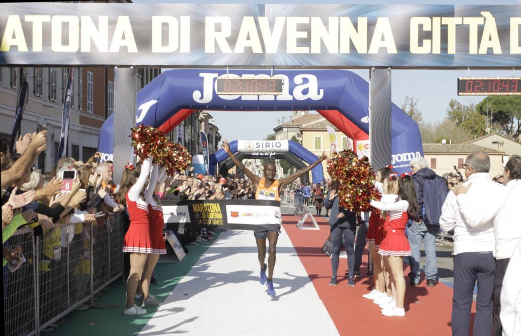 Japhet Kosgei vince la Maratona di Ravenna 2019