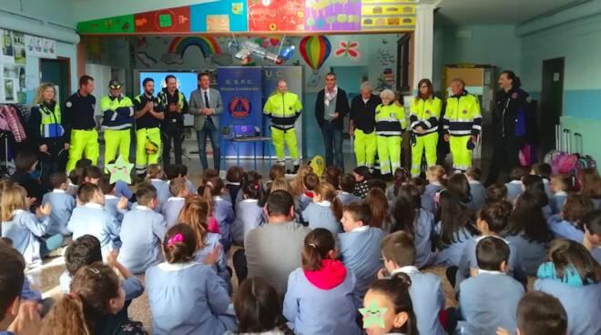 """Massa Lombarda, a lezione di protezione civile per quasi 90 bambini della """"Torchi"""" - ravennanotizie.it"""