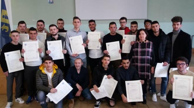 """All'Itip """"Luigi Bucci"""" di Faenza consegna Borse di studio e Diplomi"""