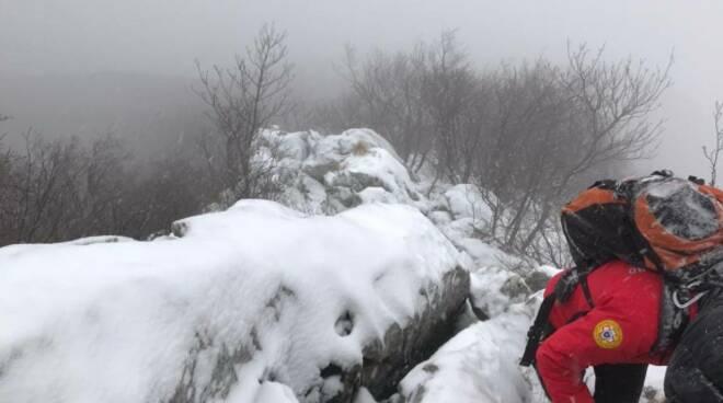 Bloccati nella neve a Monte Pizzocolo: salvati quattro escursionisti di Ravenna