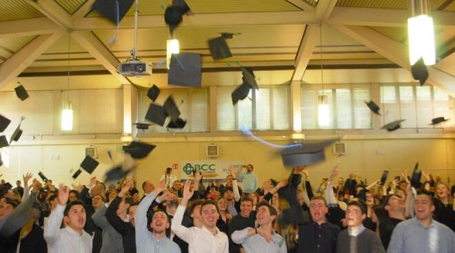 Gran Galà dei Diplomi: lancio del 'tocco' in stile college all'Istituto Oriani di Faenza