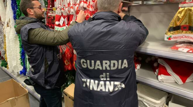 guardia di finanza sequestro natale
