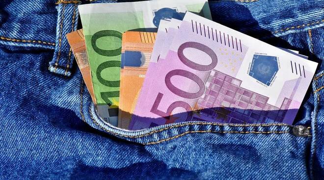 soldi tasca furto