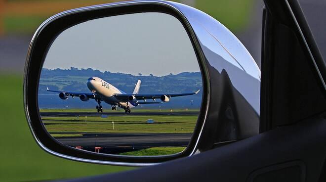 turismo generico aereo auto