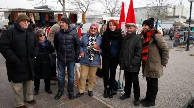 Potere al Popolo: la candidata Marta Collot ha incontrato i cittadini di Ravenna