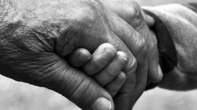anziani mani