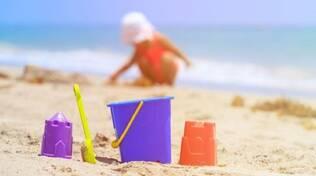 bambini spiaggia mare