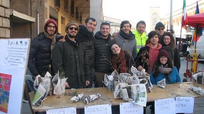 Distribuzione gratuita di piantine a Faenza: iniziativa verde molto apprezzata dalla  cittadinanza