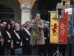 L'ultimo saluto. La cerimonia funebre per Fabrizio Matteucci in PIazza del Popolo a Ravenna