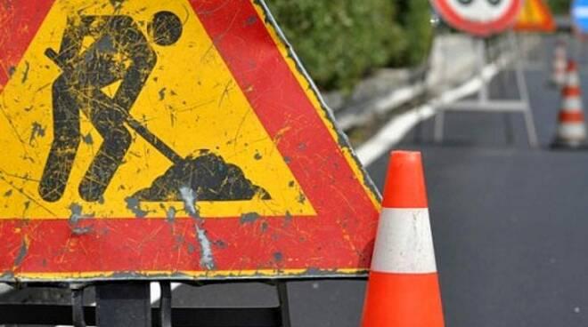 lavori in corso cartello stradale